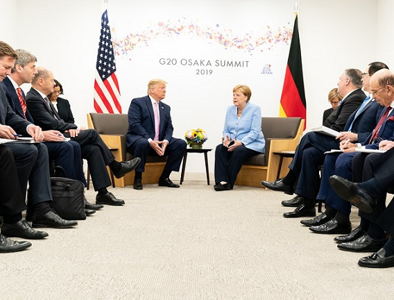 Trump exhorta a Merkel que ser contundente ante la peligrosa conducta de Irán