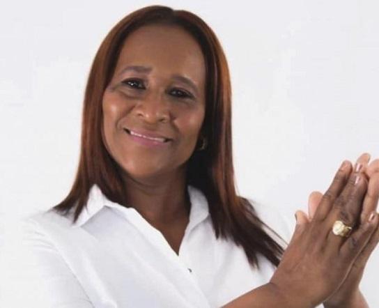 Beatriz Barraza avalada para la Alcaldía de Soledad por el Partido MAIS, inscribió su candidatura