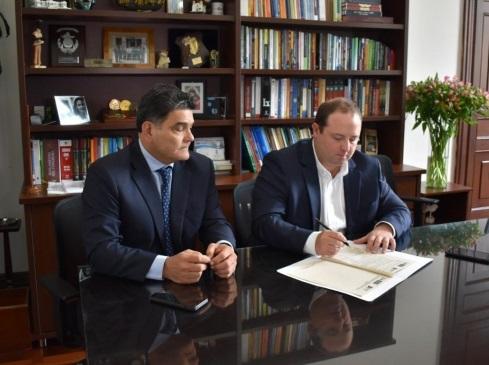 Senador Araujo presenta proyecto de reajuste laboral para los soldados profesionales del Ejército de Colombia