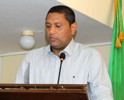 Suspenden al gobernador encargado de La Guajira por presuntas irregularidades en contrato de bilingüismo por más de $11.415 millones