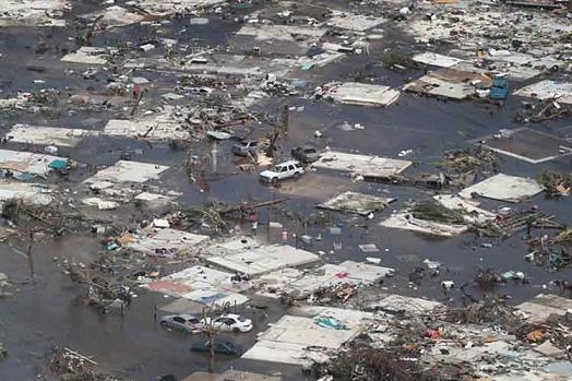 Cifra de muertos en Las Bahamas aumenta a 30, miles los desaparecidos. Perseguidor de huracanes relata los hechos y afirma: De lejos, el ciclón más intenso que he presenciado en 28 años de persecución