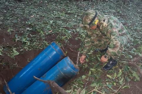En Saravena, Arauca Ejército halla tres artefactos explosivos improvisados y dos medios de lanzamiento. Fueron destruidos de manera controlada