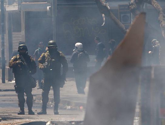 Se mantiene la huelga en Chile. Piñera convoca a los Reservistas de las Fuerzas Militares y de Policía