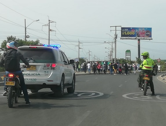 Por sospecha, al no estar plenamente identificados 4 periodistas fueron detenidos en medio de un brote de disturbios en Barranquilla