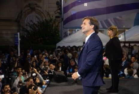 En Uruguay gana Luis Lacalle pero el gobierno izquierdista habla de unos supuestos 35.046 votos dudosos que deben revisar