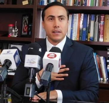 Senador Richard Aguilar