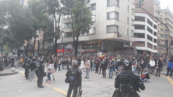 Policía habría sido sometida por el Procurador a trabajar los protocolos para las marchas de Petro Santos y las Farc con los líderes estudiantiles