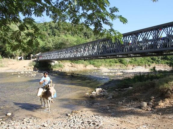 Puente sobre El rio Ariguanicito (3)