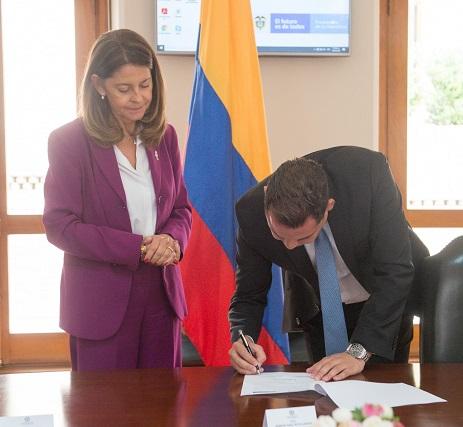 Gobernador Nemesio Roys y Vicepresidenta Marta Lucía Ramírez firmaron Ruta por la Transparencia e Integridad
