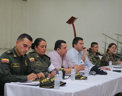 El Alcalde Ucrós velará por la seguridad  de docentes de Villa Estadio, en Soledad