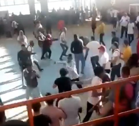 Asamblea Multiestamentaria de Uniatlántico tuvo que ser suspendida por violento saboteo y agresiones físicas del sector a favor del Paro