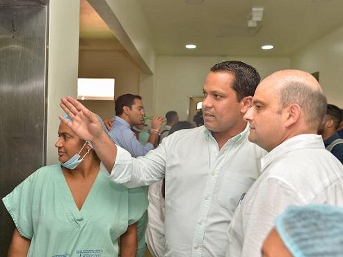 Con Ministro de Salud, Gobierno Monsalvo gestiona pago a trabajadores del Rosario Pumarejo de López