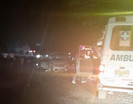 Siete personas fallecidas, 11 más heridas y varios vehículos incinerados dejó la explosión de un carro al parecer cargado con explosivos en Rosas, Cauca