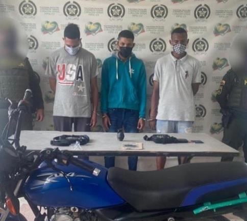 Capturan tres sujetos en Malambo, Atlántico, uno de los cuales portaba una granada de fragmentación