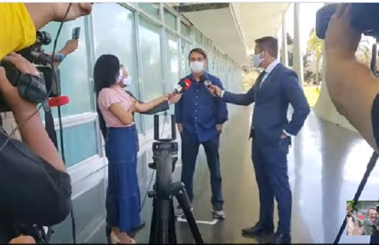 Bolsonaro da positivo para Covid-19, se recupera en casa. Está siendo tratado con Hidroxicloroquina y Azitromicina