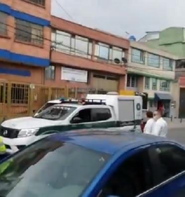 Se fugan 5 presos de la URI de Kennedy en Bogotá. Los delincuentes tienen acuestas delitos de homicidio narcotráfico, y hurto