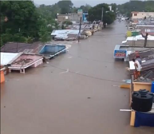 Destrozos, inundaciones y miles de damnificados además de animales arrastrados por las fuertes corrientes, y pérdidas incalculables dejó Isaías en República Dominicana