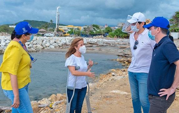 Elsa Noguera inspeccionó avances en las obras de la plaza de Puerto Colombia