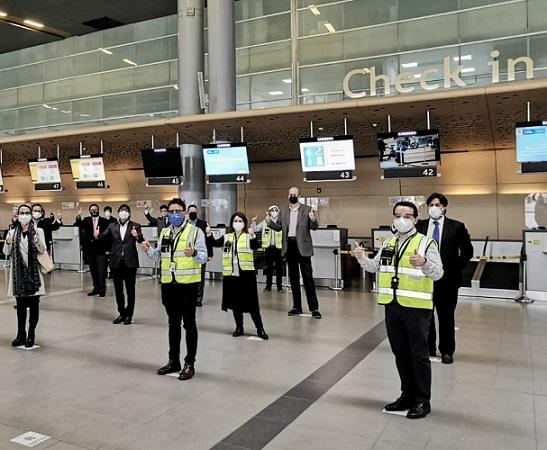 Varios Aeropuertos y Terminales de Transportes del país iniciaron sus vuelos comerciales este martes