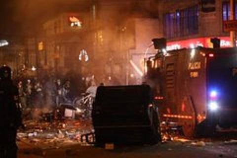 Balance de un nuevo holocausto en Bogotá: 7 muertos, 140 heridos, 93 son Policías, 53 CAIs Vandalizados, 3 destruidos, 9 buses de Transmilenio incendiados so pretexto de protesta contra la Autoridad