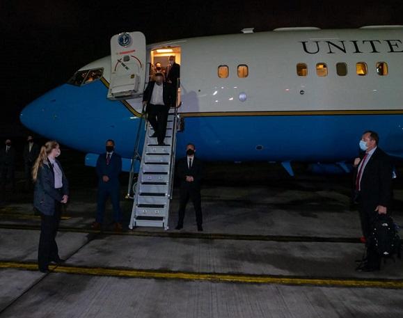 El Secretario de Estado de los USA, Mike Pompeo llegó anoche. Hoy se reune con el presidente Iván Duque