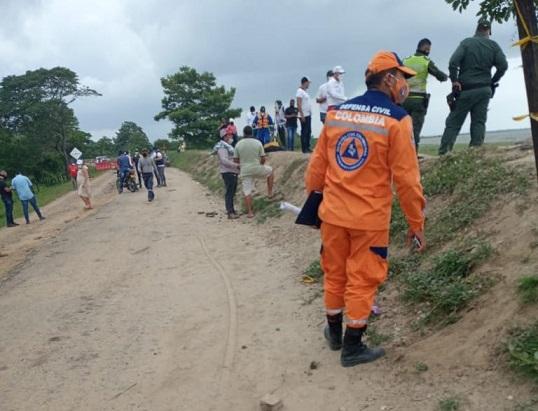 Presión de redes sociales y parlamentarios costeños habría movido al Gobierno para desplazar a sus funcionarios hasta el tramo de la vía El Piñón Salamina en el Magdalena afectado por la erosión