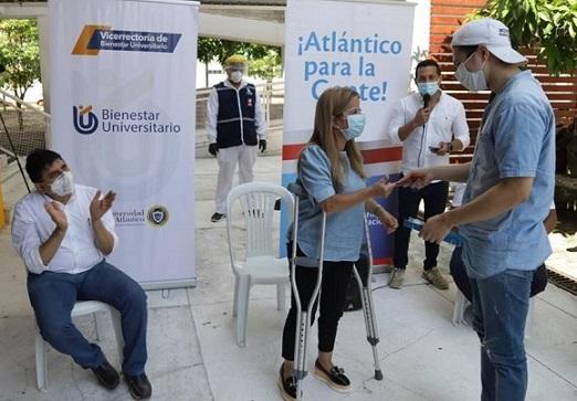 Gobernadora Elsa Noguera entrega internet móvil gratis a estudiantes de la Universidad del Atlántico