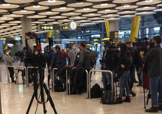 Socialista Leopoldo López sale de Venezuela, pasa supuestamente por Colombia, llega a Madrid pero nadie lo ha visto, ni aquí ni allá