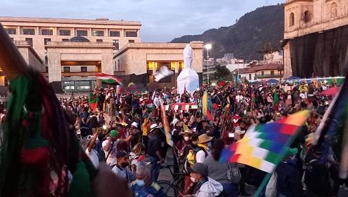Indígenas iniciaron sus desplazamientos en Bogotá, hay anuncios de la llegada de más miembros de la etnia