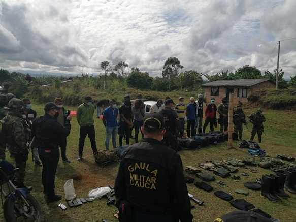 Inteligencia Militar desarticula estructura terrorista de las Farc, Segunda Marquetalia, en el Cauca, Captura a 12 e incauta material bélico