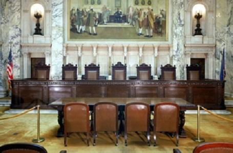 Corte Suprema de Wisconsin aceptó que la corte de circuito atienda la demanda de impugnación contra las papeletas de voto ausente contadas ilegalmente
