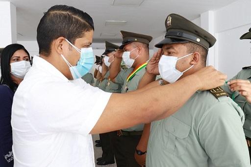 Alcaldía de Malambo condecoró a 50 miembros de la Policía Nacional