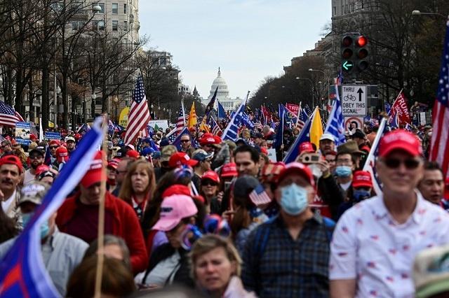El 6 de enero marchan estadounidenses para reclamar contundentes el respeto a la Constitución, y el rechazo al fraude electoral de las elecciones presidenciales