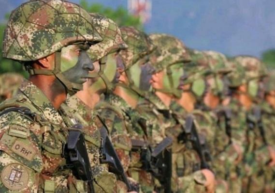 46 altos oficiales de la Fuerza Pública fueron ascendidos en sus grados