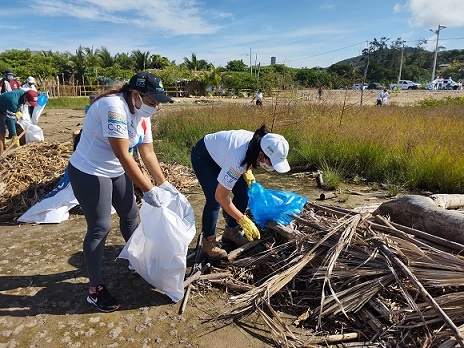 C.R.A recogió 3.5 toneladas de residuos sólidos en playas, con estrategia Plogging