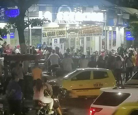 Continúan en bares y cantinas, además de estaderos en Barranquilla burlando las normas de bioseguridad. Alcaldía cierra algunos bares que incumplieron este fin de semana