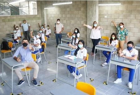 Dos instituciones educativas oficiales de Barranquilla comienzan clases en alternancia