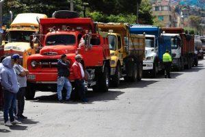 Transportadores de carga se manifestaron en rechazo por la instalación de nuevas casetas de peaje y a las altas tarifas impuestas