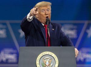 Trump ovacionado en el Congreso de la CPAC, no descartó volver a lanzarse a la Presidencia. Incluso puedo decidir vencerlos una tercera vez en 2024: Trump